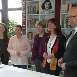 Patenschaftsvertrag zwischen dem Gymnasium Porta Westfalica und der KZ-Gedenk- und Dokumentationsstätte Porta Westfalica